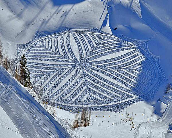 Snow art par Simon Beck