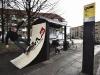 Une piste de skate à l'arrête de bus!
