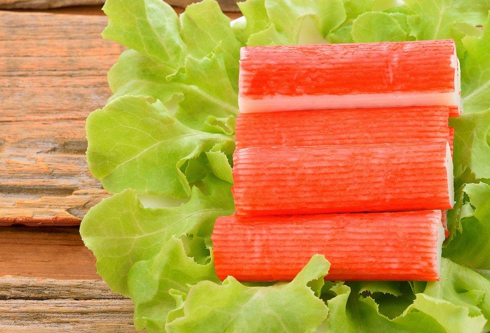 Photo of Chips, surimi, tarama : pourquoi sont-ils mauvais pour la santé et l'environnement ?