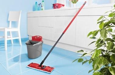 Nettoyage bio maison vinaigre blanc et eau pour un nettoyage parfait entretien menager - Nettoyant sol fait maison ...