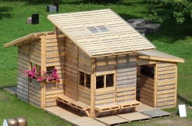 10 maisons fabriqu es avec des mat riaux r cup r s. Black Bedroom Furniture Sets. Home Design Ideas