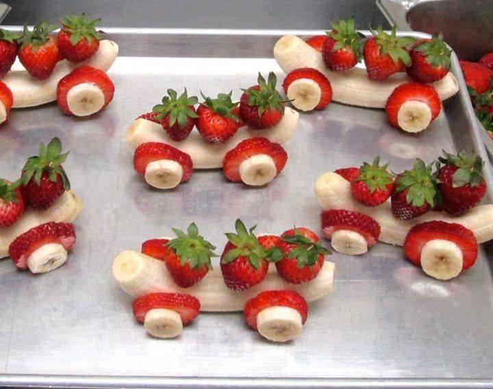 Brochettes de fruits en guise de petites voitures, pour les enfants ...