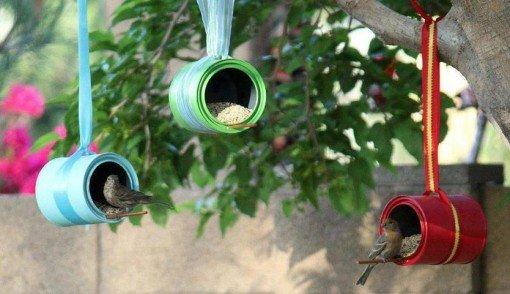 Une mangeoire pour les oiseaux faite maison