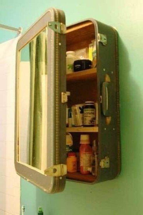 C'est originale la valise qui devient une pharmacie !