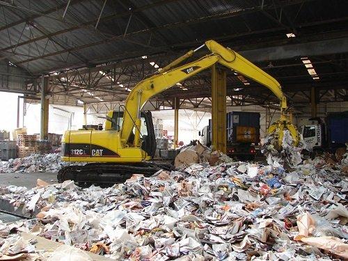 Recycler ou incinérer le papier : quel est le plus écologique ?