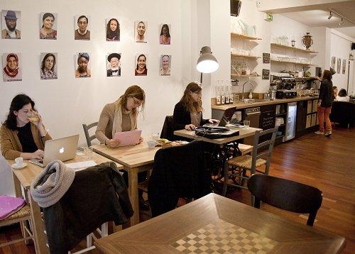 L'Anticafé : un lieu où travailler et boire un café sans gêner !