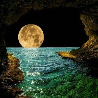 La lune et la mer