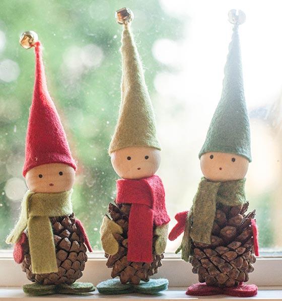 Les elfes, fait avec une pomme de pin !