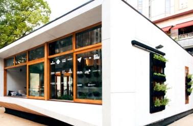 Maison bio humanisme for Maison moderne prefabriquee