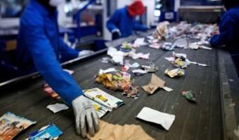 Plastiques, conserves,... : que deviennent les déchets que l'on trie ?