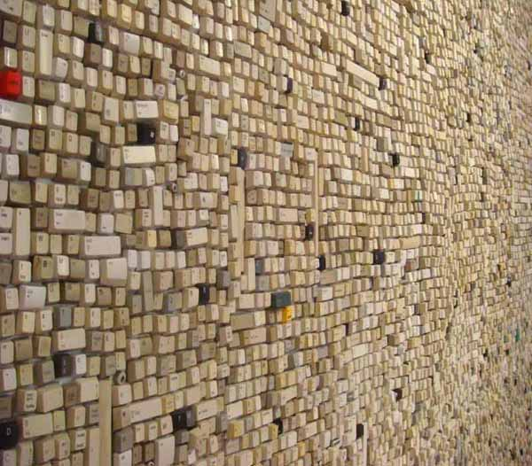 modern-wall-decoration-ideas-plastic-recycling-5