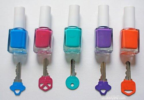 Colorer vos clés avec du vernis à ongle