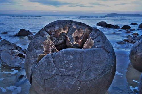 moeraki-boulders05