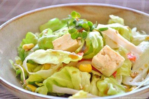Comment cuisiner le tofu dans la soupe la salade cuit - Cuisiner le tofu nature ...