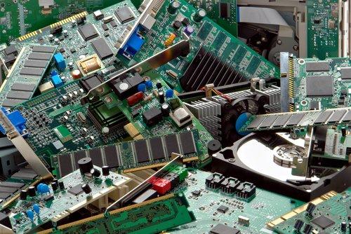 Recycler les déchets électroniques avec de l'eau, c'est possible !