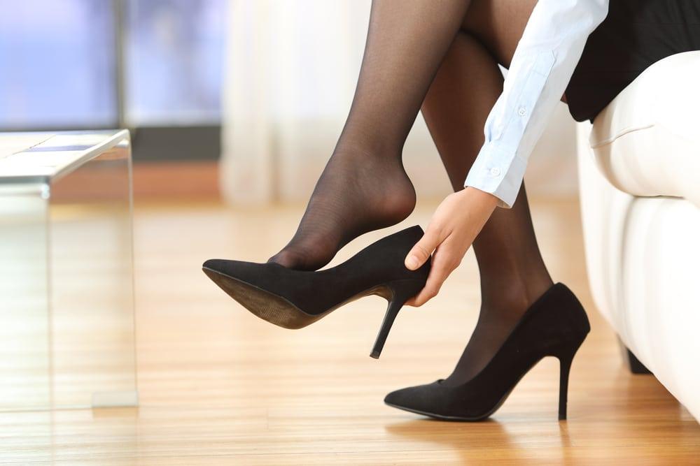 enlever ses chaussures à la maison