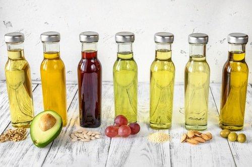 Comment avoir une belle peau : 10 huiles végétales pour préserver la jeunesse de sa peau