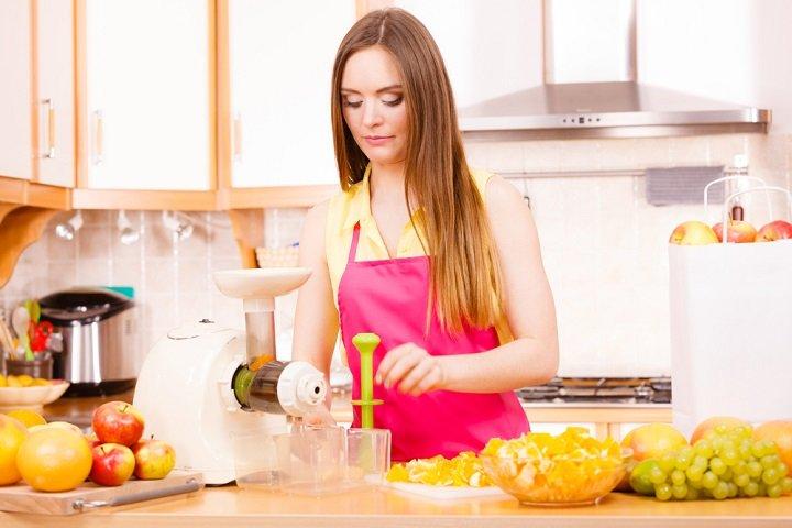 extracteur de jus vos jus de fruits et l gumes frais faits maison. Black Bedroom Furniture Sets. Home Design Ideas