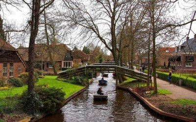 Photo of Giethoorn : un village bucolique sans voiture
