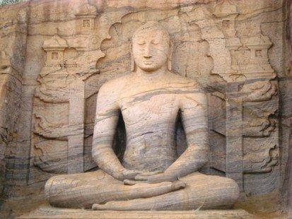 Le bouddha méditant