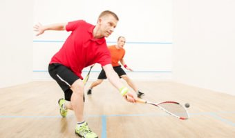 Le squash, une balle lente pour un sport ultrarapide