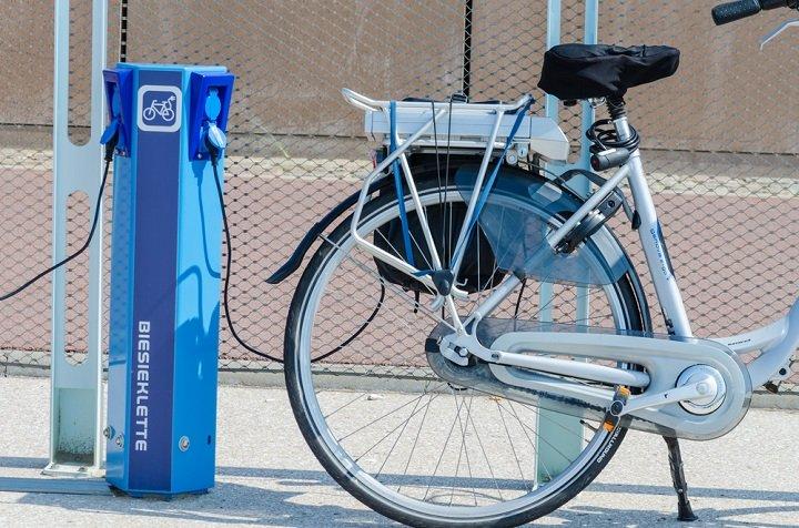 Tout savoir sur les vélos électriques : modèles et prix par fabricants
