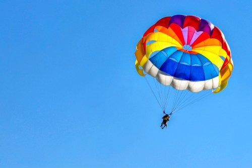 Parachutisme : sensations fortes et sécurité