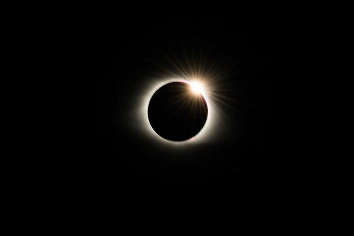 Eclipse solaire : tout ce qu'il faut savoir sur ce phénomène