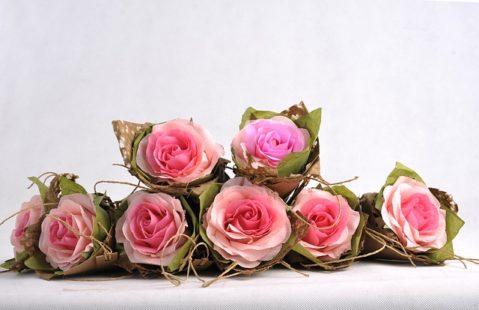 L'art de créer de jolies fleurs en papier
