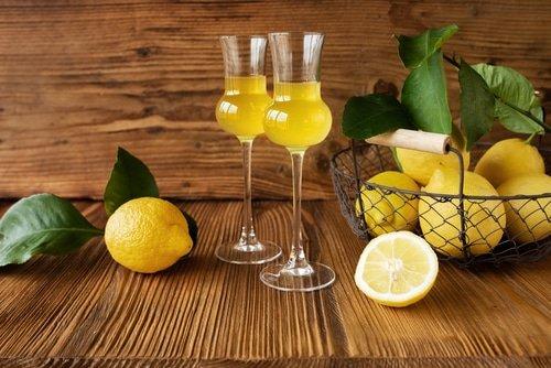 Faire du limoncello