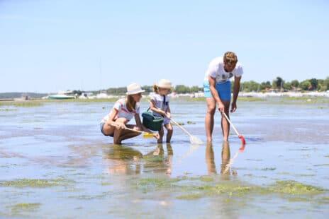 Pêche à pied en famille