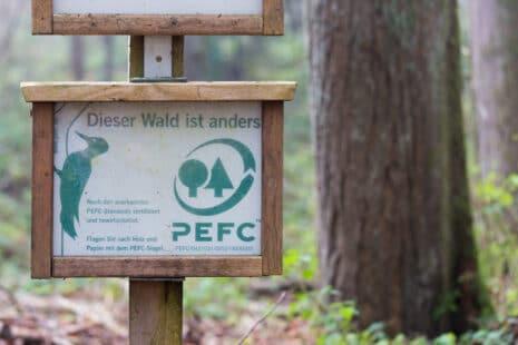 Meubles écolo et écolabels : le label PEFC